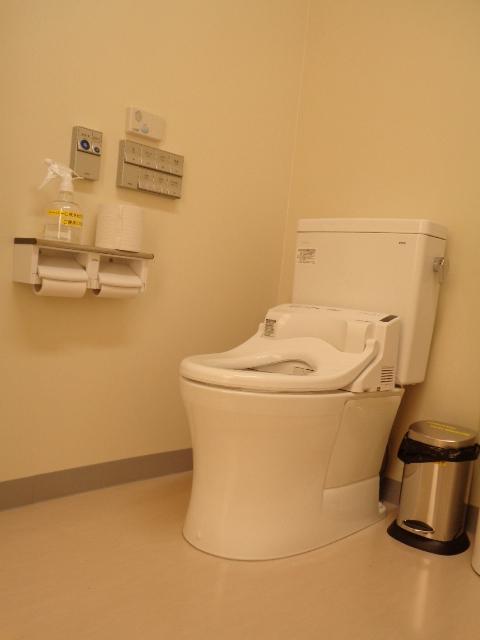 大人用トイレ